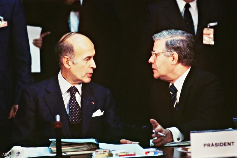 Giscard d'Estaing (balra) és Helmut Schmidt 1979-ben
