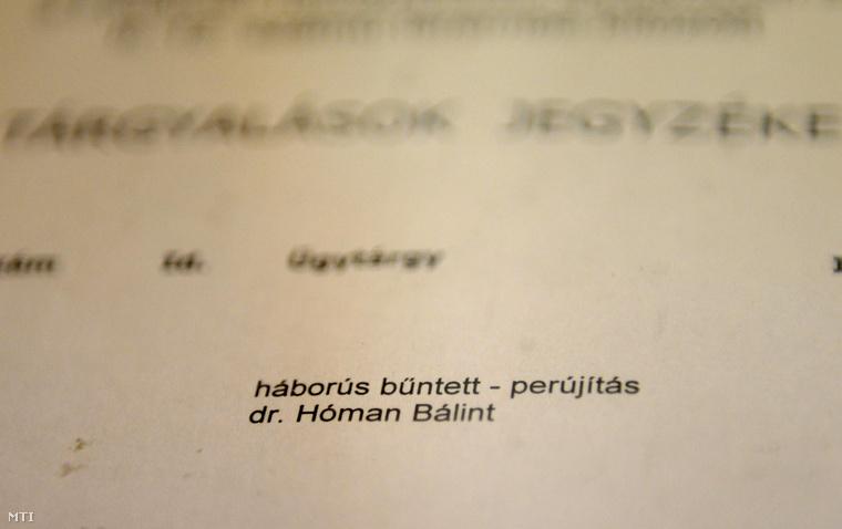 Tárgyalási jegyzék az 1946-ban életfogytig tartó fegyházbüntetésre ítélt Hóman Bálint egykori miniszter per-újrafelvételi tárgyalásán a Fővárosi Törvényszéken 2014. október 6-án