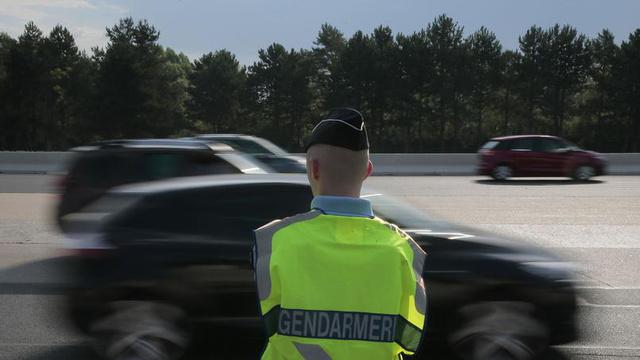 Igazi csendőr egy francia autópályán