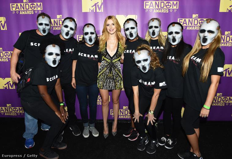 Bella Thorne a Comic Conon
