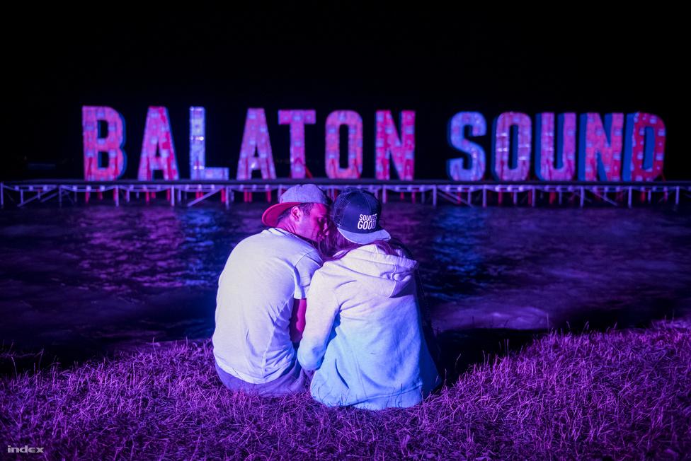 Vajon Fluor és Diaz mikor énekel majd a szerelemről a Balaton-parton?