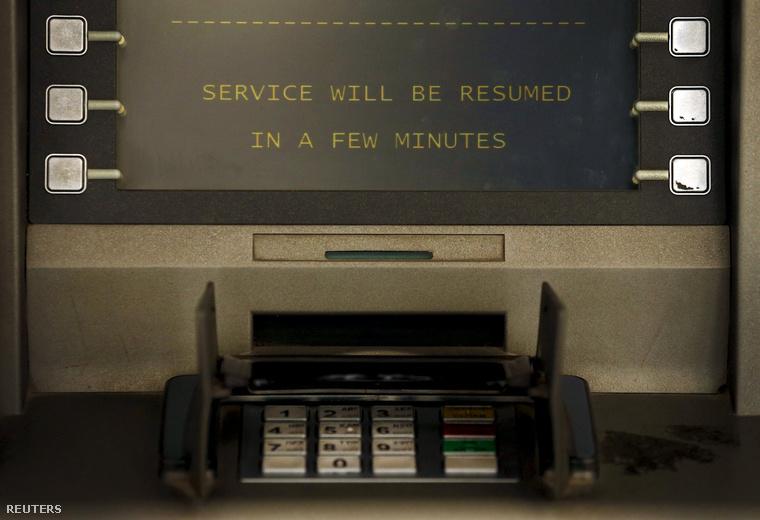 Felirat egy görögországi ATM kijelzőjén