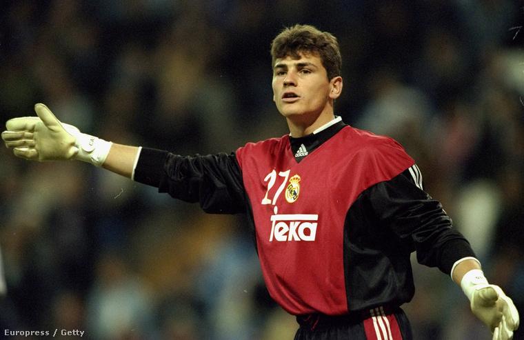 Casillas 2000-ben, 19 évesen