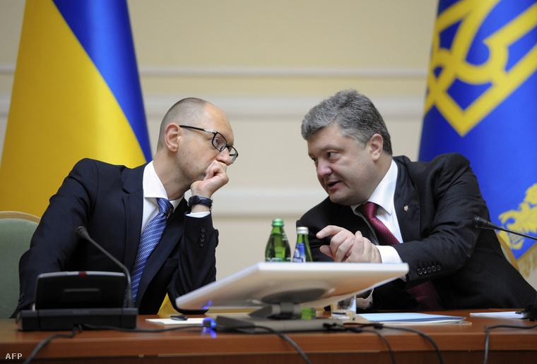 Arszenyij Jacenyuk és Petro Porosenko