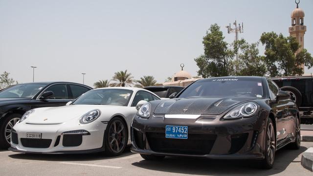 Ha egyet hozhatnék haza, a fehér GT3-ast választanám