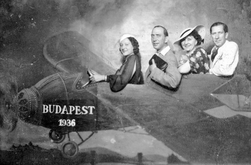1936.