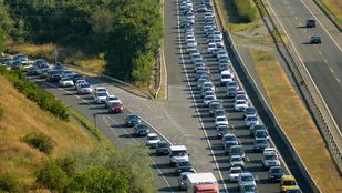 Már most nagy a forgalom az M7-esen