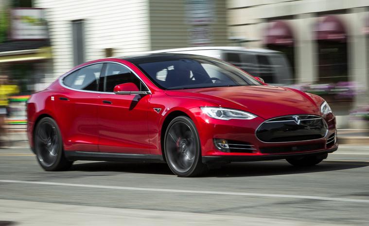2015-Tesla-Model-S-P85D-PLACEMENT