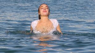Ez mégis mi, amiben Lindsay Lohan fürdik?