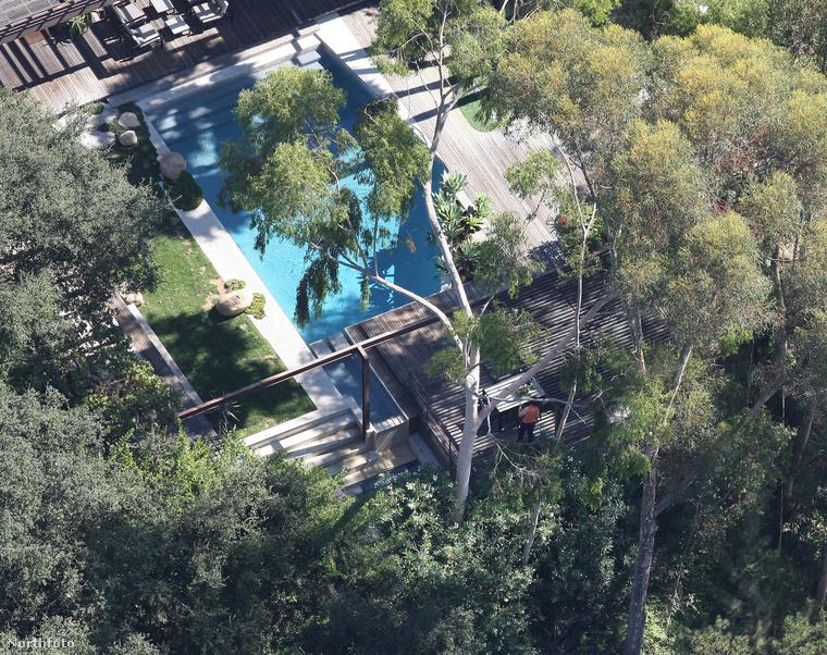 Demi Moore medencéje