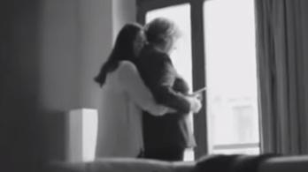 Férfi sztriptíz szex videók