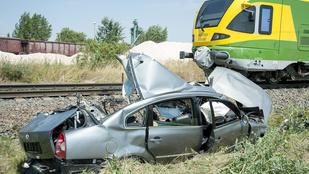 Négyen meghaltak egy vasúti átjáróban történt balesetben