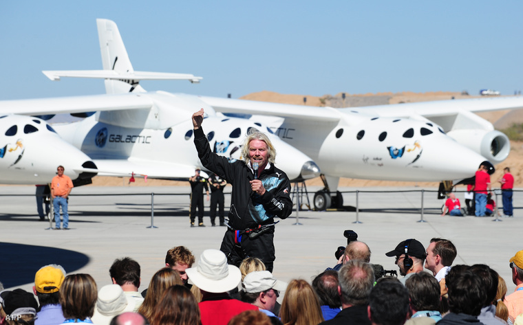 Richard Branson a Virgin Galactic egyik sajtóeseményén.