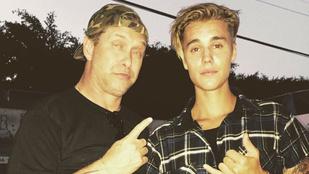 A nap legmegdöbbentőbb képén: A lepukkant Stephen Baldwin Bieberrel pózol