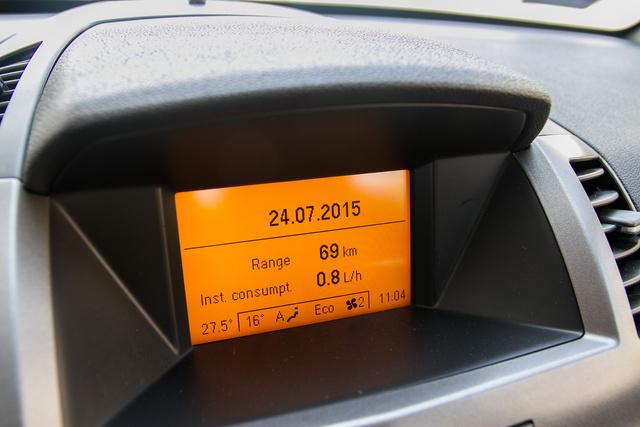 Ezen a narancssárga kijelzőn minden Opelben megakadok