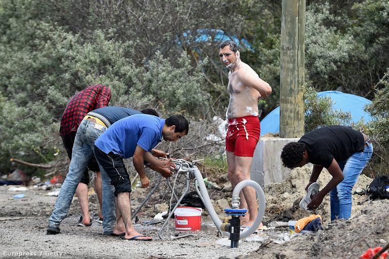 Menekültek Clais mellett