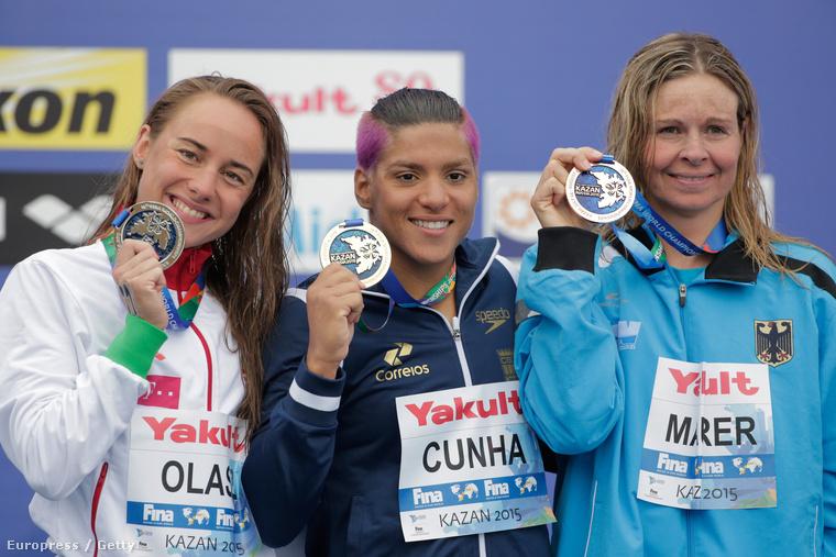 Az ezüstött szerzett Olasz Anna, a brazil Ana Marcela Cunha és a németAngela Maurer.