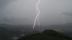 Nagy vihar lesz délután, ne csináljon szabadtéri programot