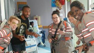 Szellemirtók látogatták meg a gyerekkórházat