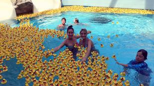 Vajna Tímea bikinis teste kacsák közt úszott