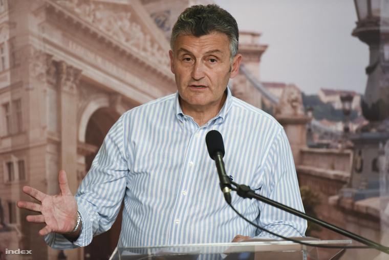 Pető György, a Fővárosi Önkormányzat rendészeti igazgatója a budapesti Városházán tartott sajtótájékoztatón