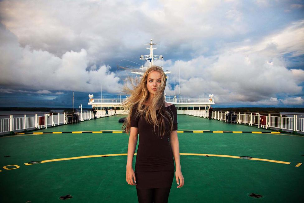 Noroc először 2013 augusztusában vette a nyakába a világot. Az út első felét, Romániától egészen Japánig szárazföldön és vízen utazva tette meg. Az első utazás 2014 augusztusáig tartott, ezalatt összesen 37 országban fordult meg. Ekkor épp a Balti-tengeren járt.