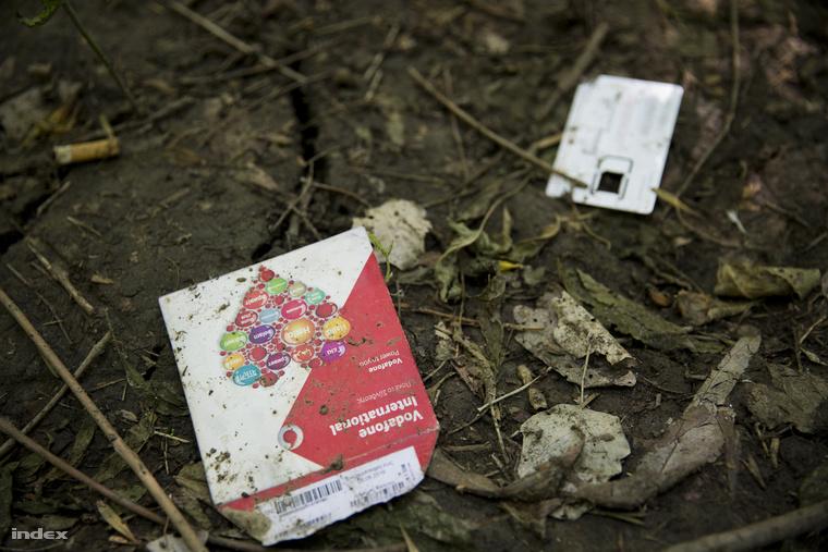 Eldobott SIM kártyák Szeged-Gyálarét közelében