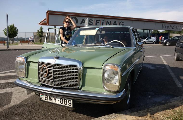 Első megállás egy Asfinagnál, azaz az osztrák autópályán