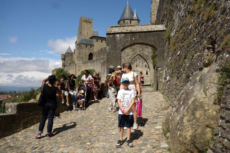 Sok a turista, de Carcassonne-ban ez valahogy nem számít