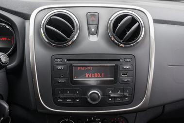 Mindent tud a rádió, amit tudnia kell