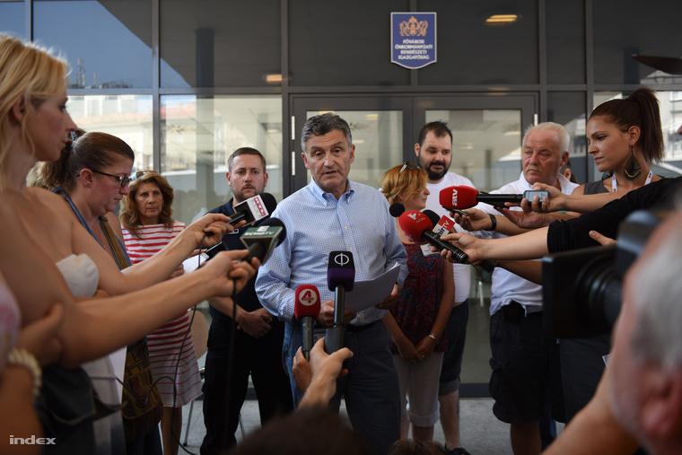 Pető György, a Fővárosi Önkormányzati Rendészeti Igazgatóság vezetője a sajtótájékozatón