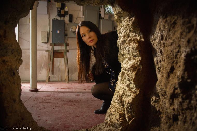 Lucy Liu az Elementary forgatásán