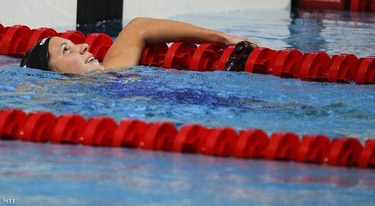 Kapás Boglárka az 1500 méteres gyorsúszás döntője után.