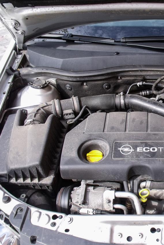 Isuzu gyártmányú 1,7 CDTI, common rail dízel motor