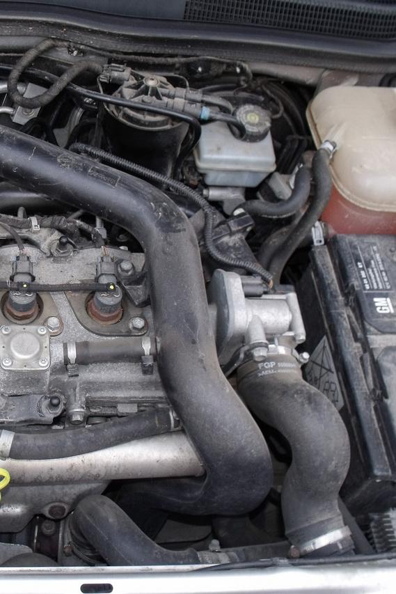 Opel motor ruha nélkül