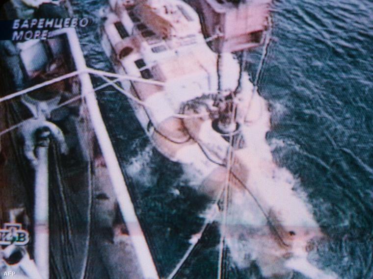 Vízre teszik az egyik orosz mentőhajót