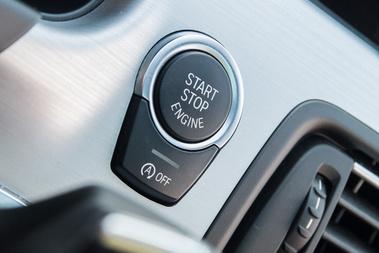 A start-stop azzal a lendülettel kikapcsolható, ahogy beindítjuk