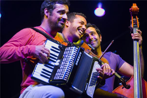 A portugál Toques do Caramulo együttes koncertje a Vidor Fesztiválon