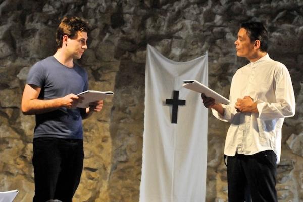 Márkus Sándor és Kaszás Gergő a Bányavíz felolvasószínházi előadásában