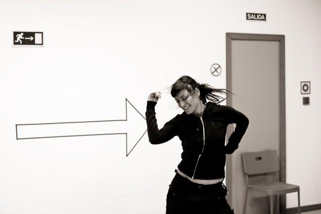 Cristina Blanco: Cuadrado-flecha-persona que corre