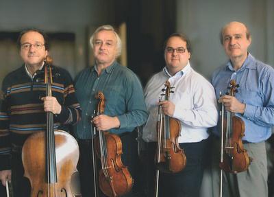 Mikrokosmos VonósnégyesPerényi Miklós (cselló), Papp Sándor (brácsa), Tuska Zoltán (secund), Takács-Nagy Gábor (prím)