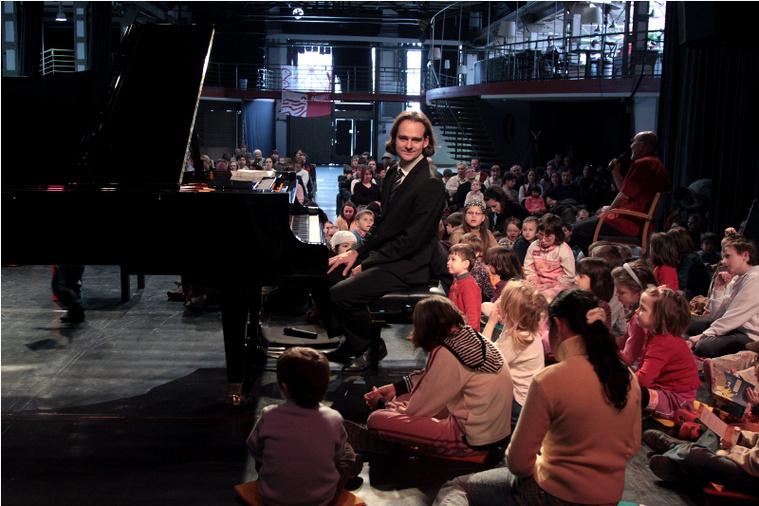 Bogányi Gergely csoki koncertet ad