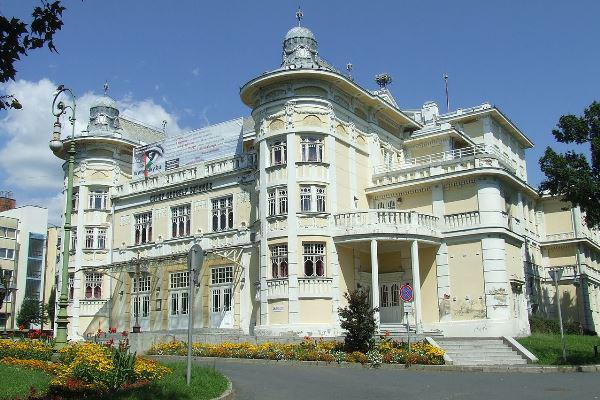 A kaposvári Csiky Gergely Színház épülete