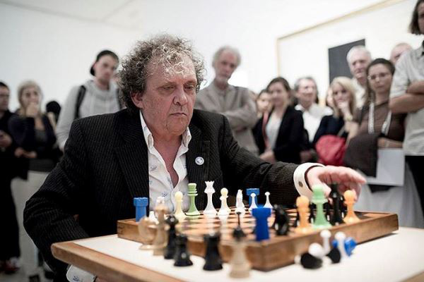 Lengyel András a kiállítás megnyitóján