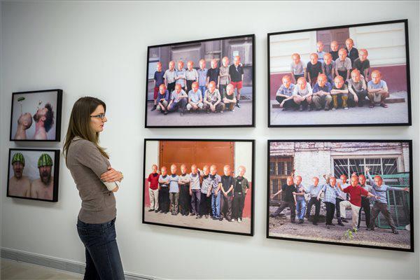 A Blue Noses csoport alkotásai az Átmenet és átmenet c. kiállításon
