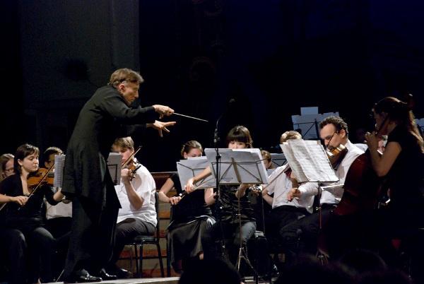 A Kodály Zoltán Ifjúsági Világzenekar segélykoncertje 2010. július 28.