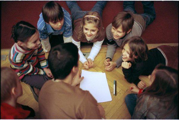 Kerekasztal Színházi nevelési Központ