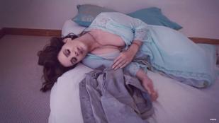 Lana Del Rey az új klipjében is iszonyú jó csaj