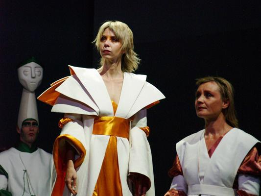 Amalfi hercegnő (Péterfy Bori, Söptei Andrea)