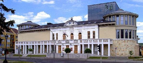 egri Gáronyi Géza Színház